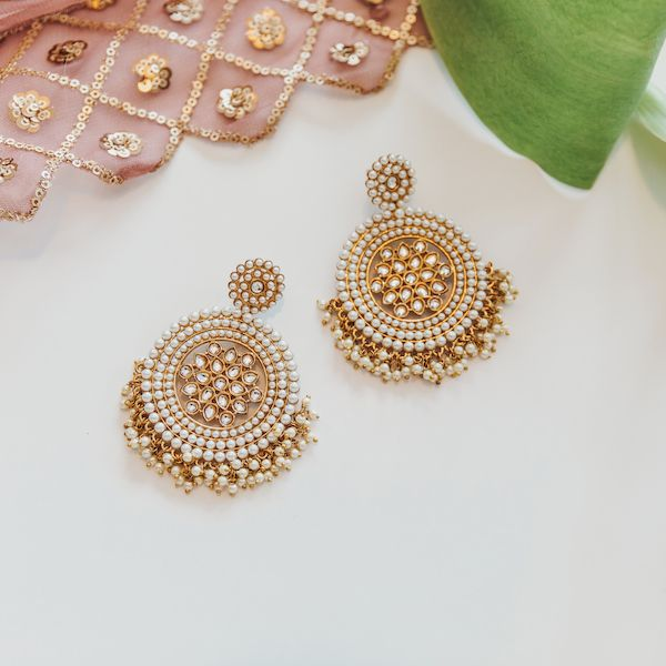 Raisa Earrings in Gold