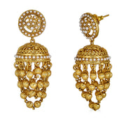 Advika Drop Earrings in Pearl