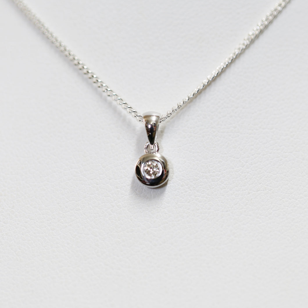 White Gold 'Belle' Pendant