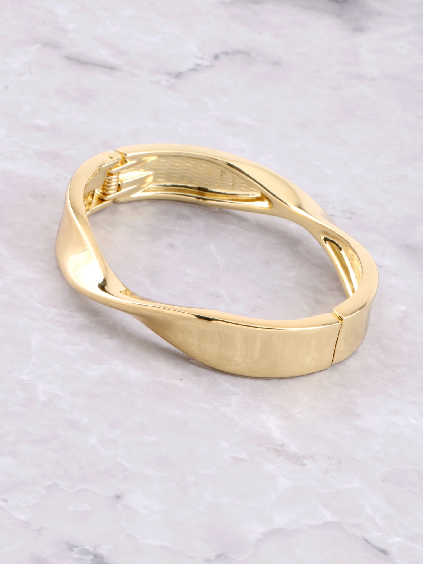 Twisted Hinge Bracelet Anarchy Street Gold