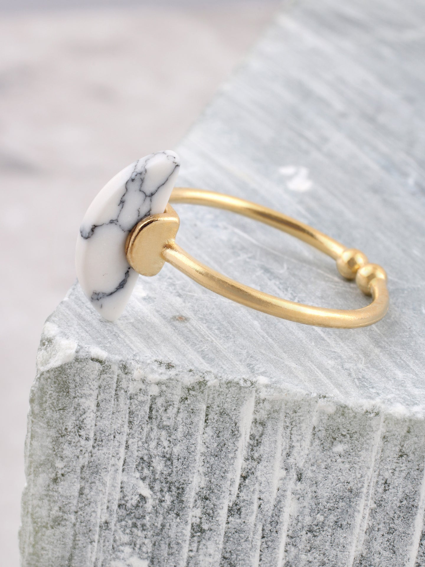 Marble Half Sphere Ring Anarchy Street White