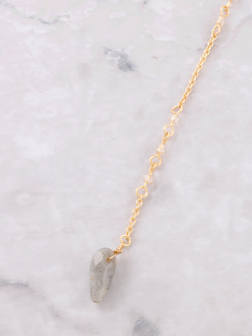 Delicate Stone Lariat Necklace Anarchy Street Gold - Details 1