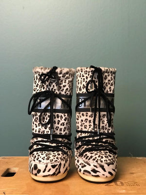 MOON BOOTS ANIMAL, die Classic-Version für Damen, Front-Ansicht