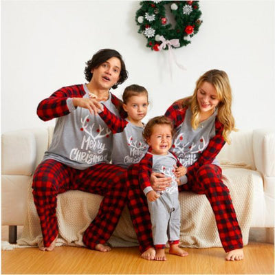 Ihrtrade MERRY CHRISTMAS Antler Print Family Matching Pajamas Set