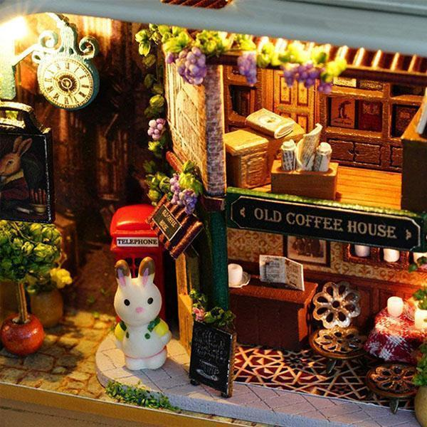 Ihrtrade DIY Christmas Miniature Dollhouse (3 styles)