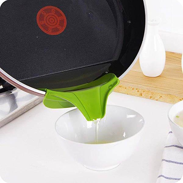 Ihrtrade Anti-spill Kitchenware Deflector (3 colors)