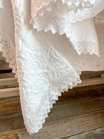 Matelasse Bedspread With Crochet Edges