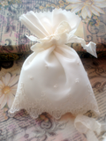 Romantic French Chantilly Lace Wedding Favor Bags