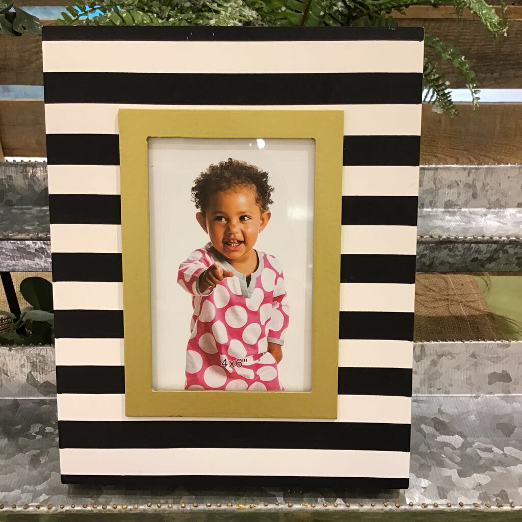 Classic Cutie Wooden Photo Frame