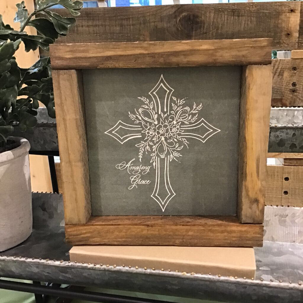Amazing Grace Cross Floral - Green Chalk