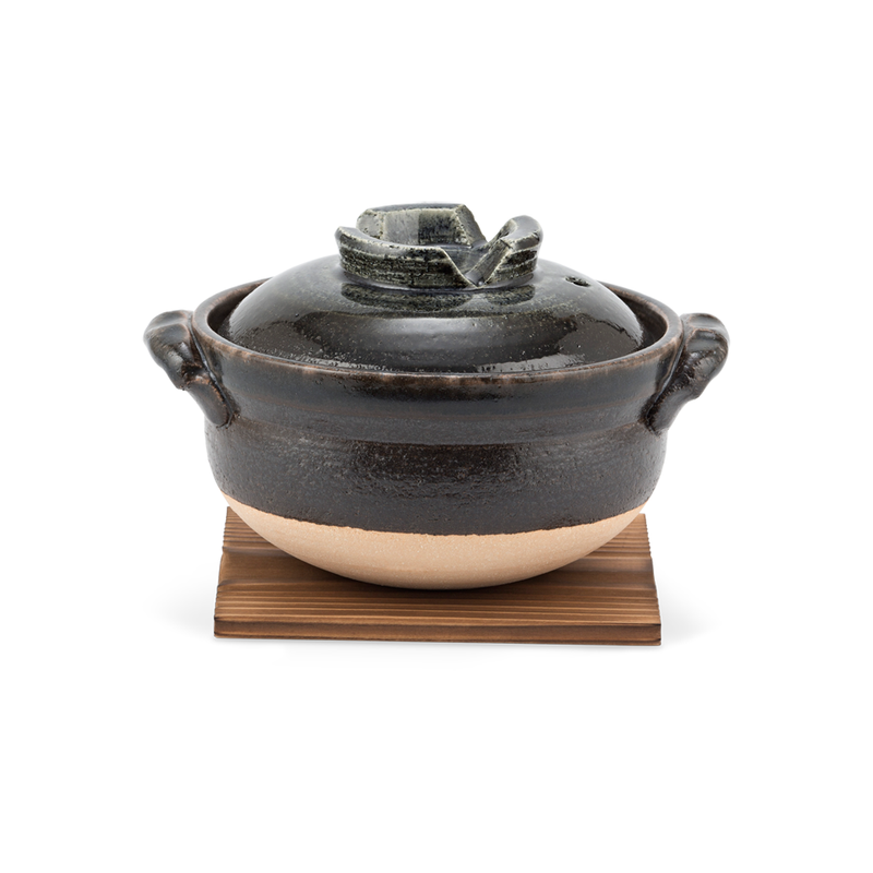 Akeshino Donabe Pot (size 9)