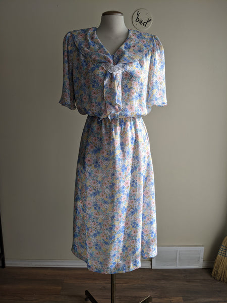 Beautiful Pastel Floral 80s Dress