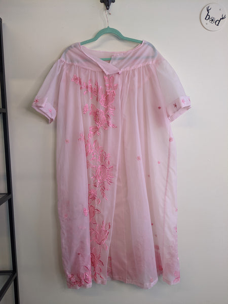Pink Embroidered 1960's Negligee