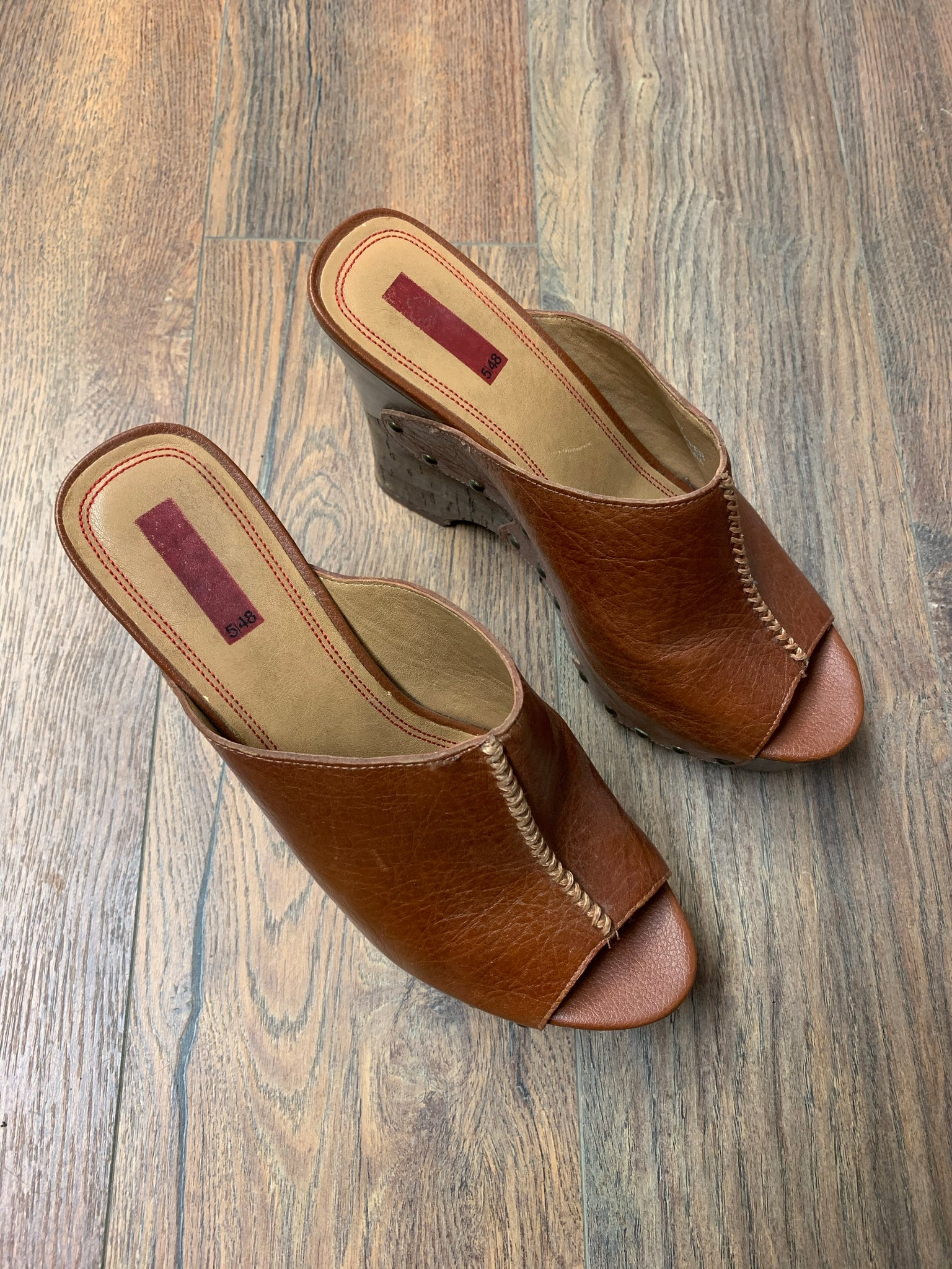 5/48 Saks Fifth Avenue Clog