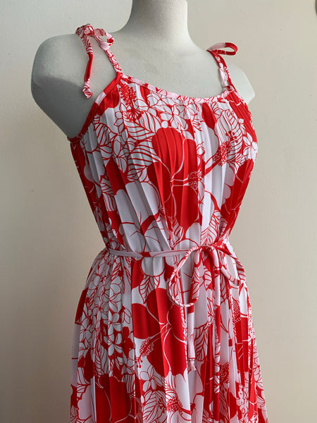 1970's Hawaiian pleated maxi dress