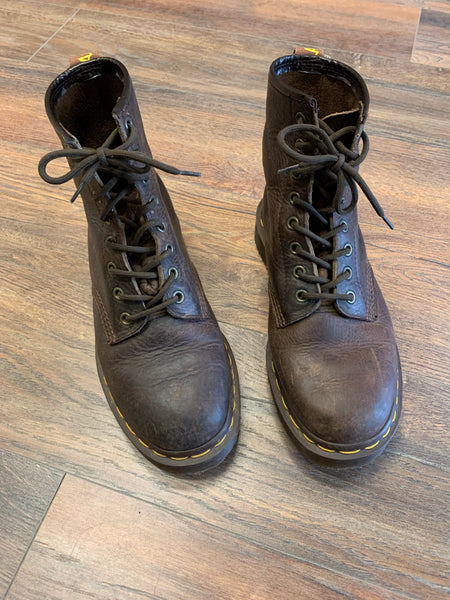 Classic Brown 1460 Lace-Up Doc Martens