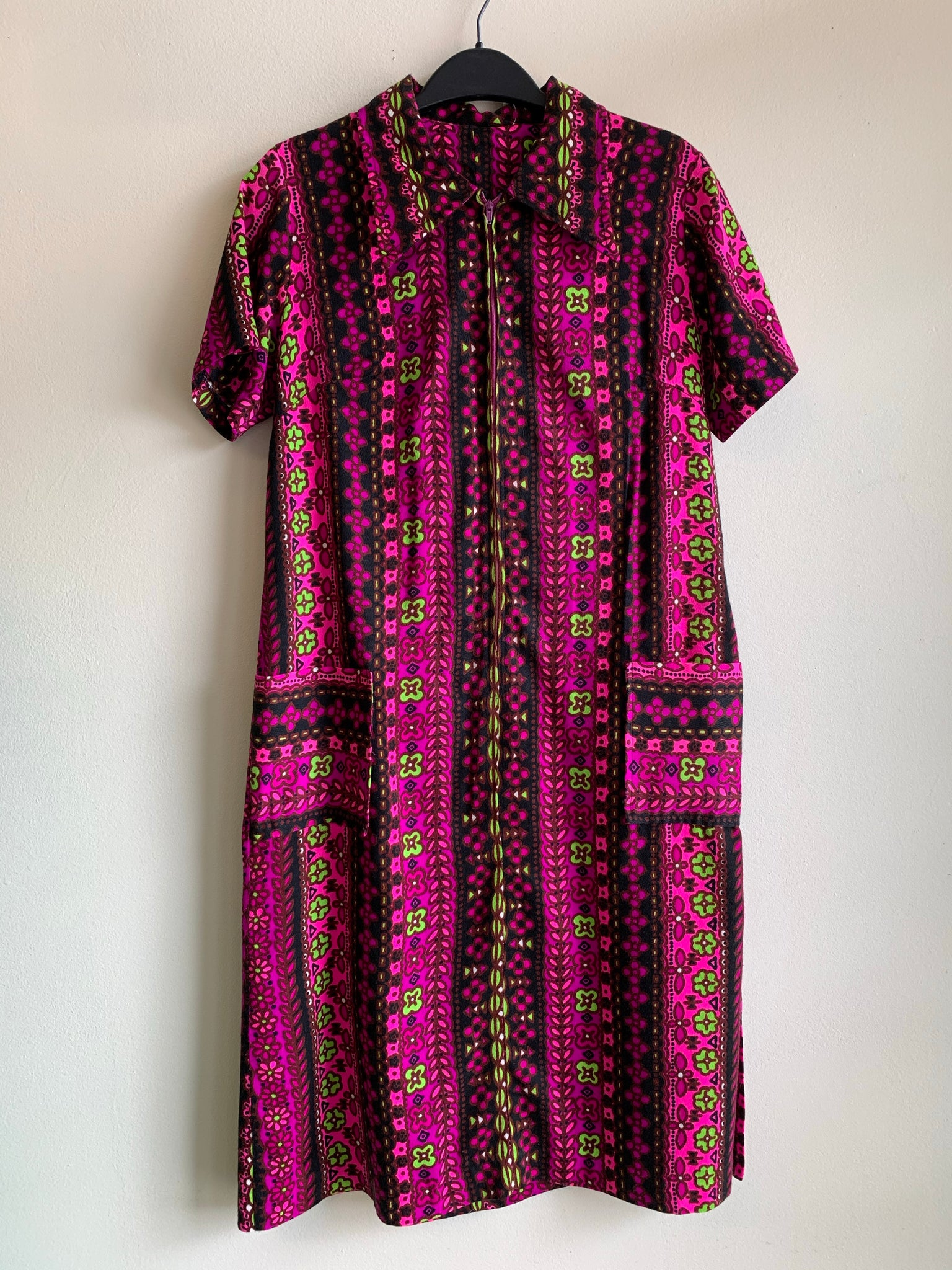 Psychedelic 70's housedress