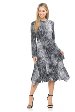 Load image into Gallery viewer, IV FALLING LAYERS PRINT DRESS