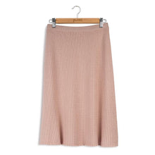 Load image into Gallery viewer, POINT CABLE KNIT ALINE SKIRT