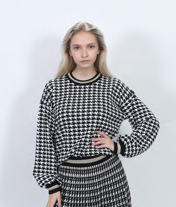 LU BLOCK PATTERNED KNIT TOP