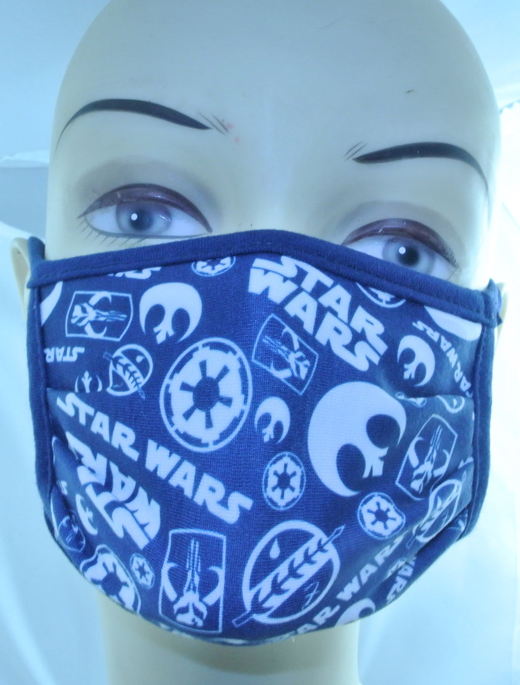 STAR WARS AUTHENTIC DISNEY BRAND NEW CLOTH FACE MASK MEDIUM MANDALORIAN LOGOS - MASS PRODUCED