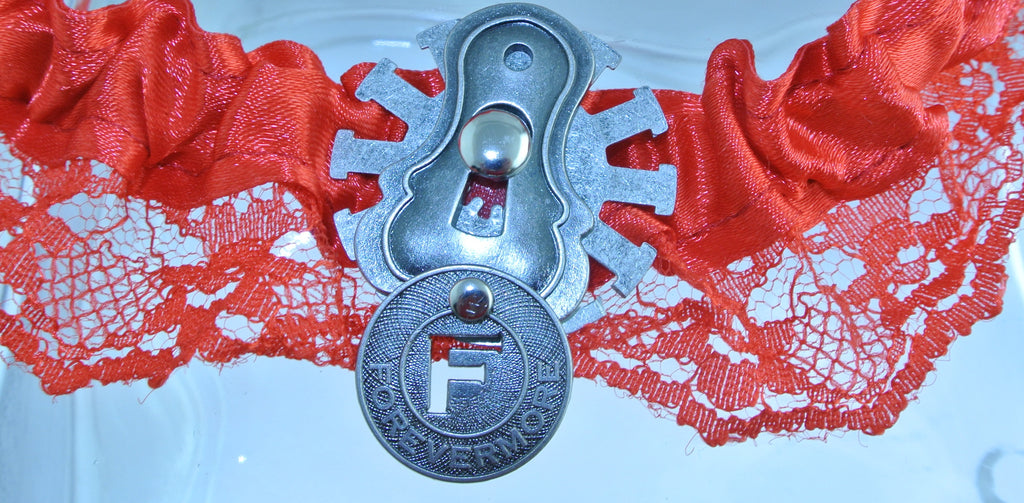 RED SILVER KEYHOLE LOCK LATCH CLOCK WATCH GEAR FORVERMORE TOKEN RED LACE GARTER WEDDING STARR WILDE STEAMPUNK FORTRESS