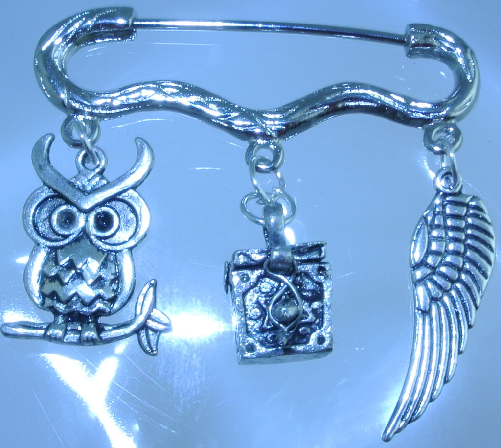 SILVER KILT OWL PRAYER BOX OPENING LOCKET WING MEDIUM PIN BROOCH STARR WILDE STEAMPUNK FORTRESS