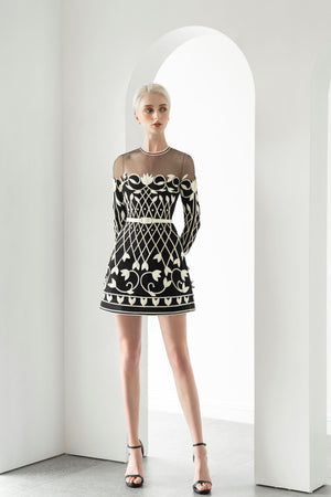 APPLIQUÉ DRESS