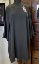 Load image into Gallery viewer, UMGEE Curvy 3/4 Sleeve Round Neck Dress w/ Scalloped Hem -BLACK