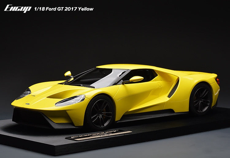 New Arrival Ford GT 2017 Yellow 1/18