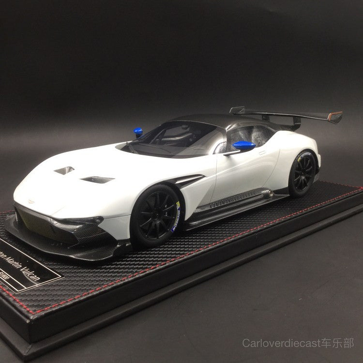 today new arrival , (Avanstyle) Aston Martin Vulcan resin scale 1:18 (White) AS014-02 limited 600 pcs