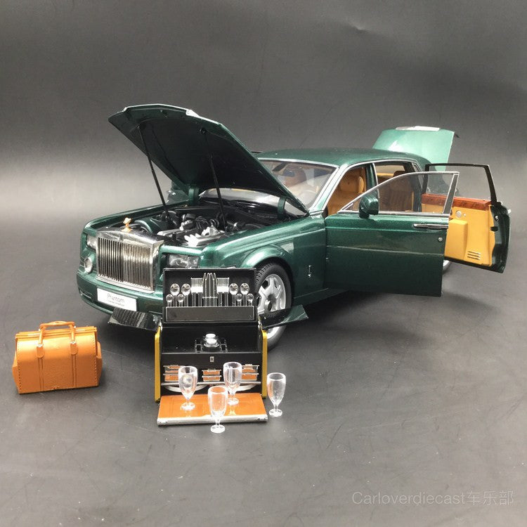 Last 2 pieces !!! Rolls Royce Phantom Extended Wheels Based Scale 1/18 By Kyosho (08841BG) Peninsula Green with Dinning Kits