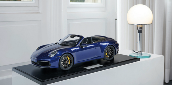 MINICHAMPS PORSCHE 1:8 911(992) CARRERA 4S CABRIOLET (800662000)  Resin Model Car Available on the end of April 2021 Pre Order now