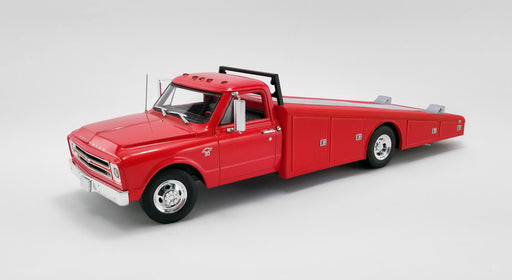 ACME 1:18 1967 Chevrolet C-30 Ramp Truck (A1801700/02) diecast model available on April 2020 Pre-order item