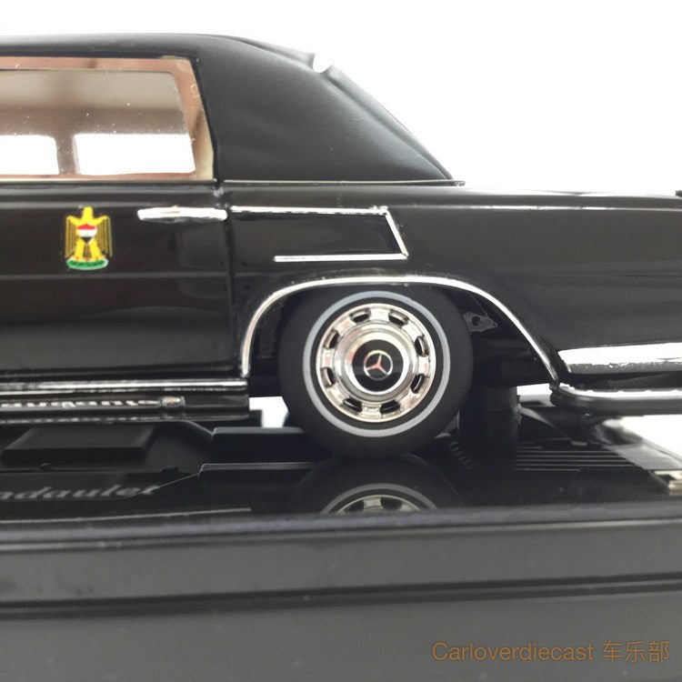 "TSM - Mercedes-Benz 600 Pullman Landaulet 1978  ""Saddam Hussein President of Iraq"" resin scale 1:43 (TSM154341)"
