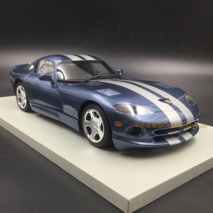 LS Collectibles - Dodge Viper GTS 2002 Steel Grey with silver stripes resin scale 1:18 (LS16C) available on end of March 2018 Pre-order now