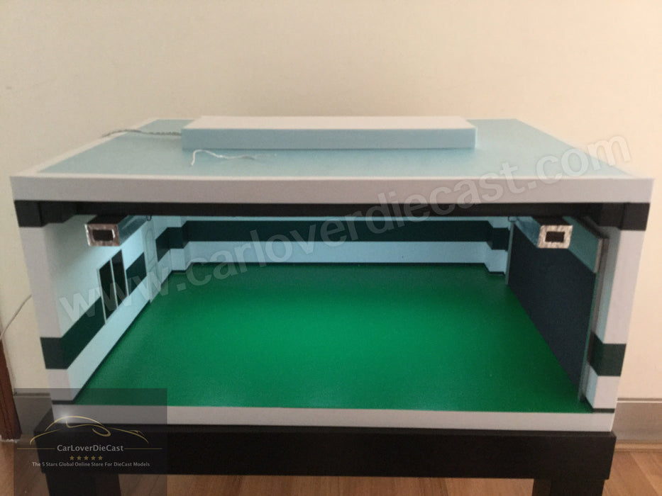 CarPark Diorama Large Size Workshop  with LED Light (USB power) Scale 1/18 CLDC009