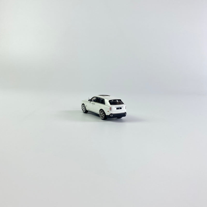 SMALLCARART 1:64   RR Curinan 2020 WHITE (SK164008W) Diecast Car available on the end of Jan 2021  pre-order now
