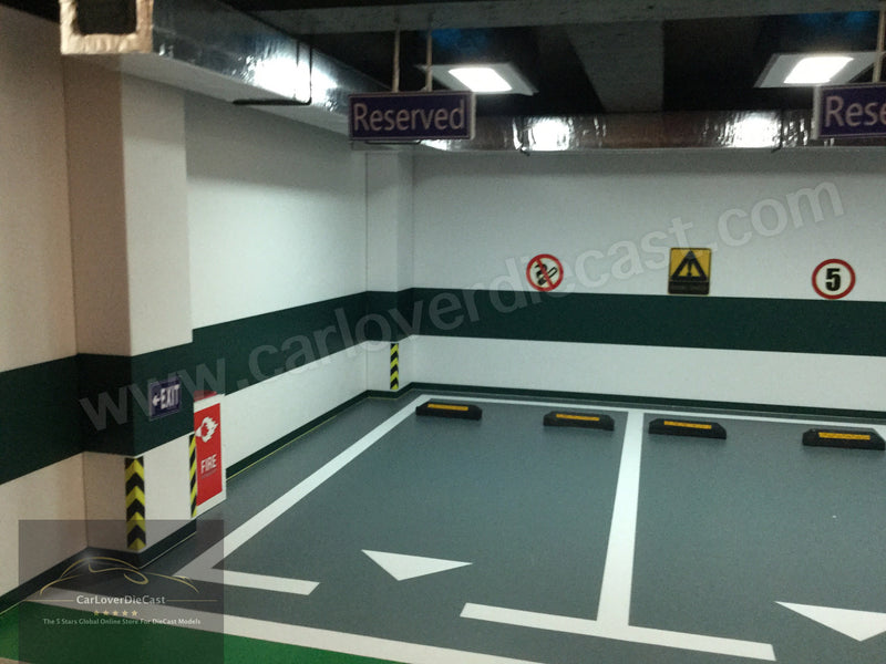 CarPark Diorama for 3 Parking Lots with LED Light (USB power) Scale 1/18 -CLDC003
