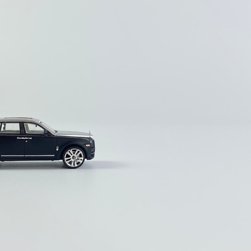 SMALLCARART 1:64   RR Curinan 2020 Silvery /BLACK  (SK164008YD) Diecast Car available on the end of Jan 2021  pre-order now