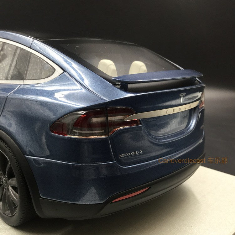 LS Collectibles - Tesla Model X 2016 Metallic Dark Grey Blue resin scale 1:18 (LS30C)