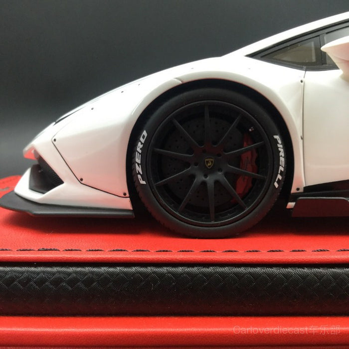 (MR Collection)Lamborghini Huracan After Market resin scale 1:18  in Bianca Monocerus (LAMBO024B) Limited 99pcs