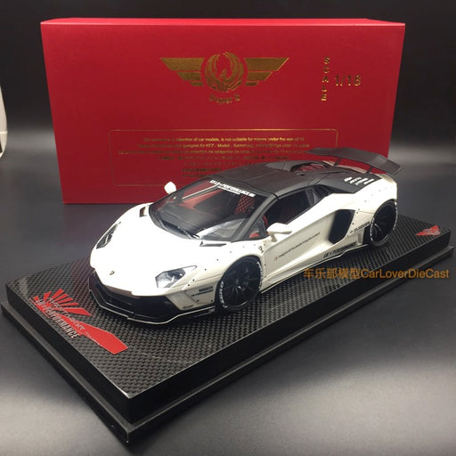 Super A - LB works 1:18 Aventador Roadster Resin model (Pearl White) Carbon based Limited 30 pcs