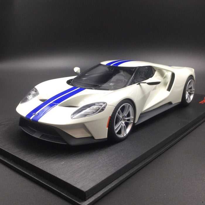 (TopSpeed) Ford GT (Frozen White w/ Lightning Blue Strip) Scale 1/18 Resin Model Limited 999 pcs TS0093 available now (waiting for Topspeed update)