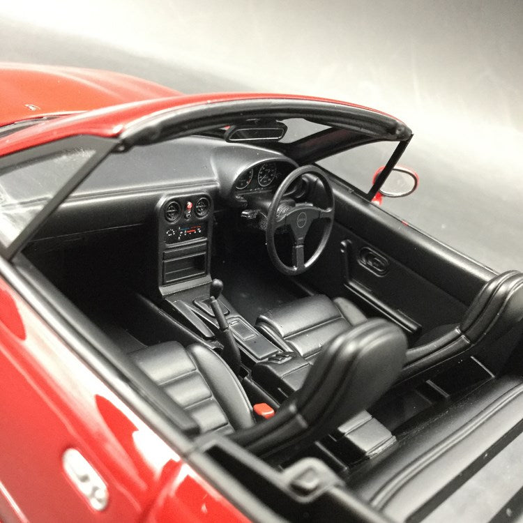 Kyosho 1:18 Eunos Roadster resin car model (KSR18031R-B) red
