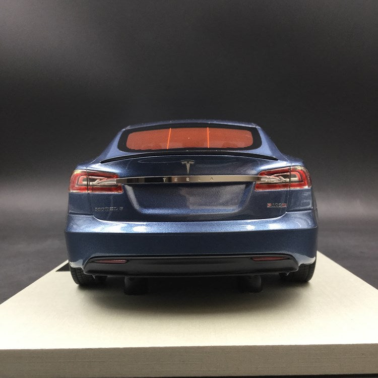 LS Collectibles - Tesla Model S Facelift  in Blue resin scale 1:18 (LS028F)