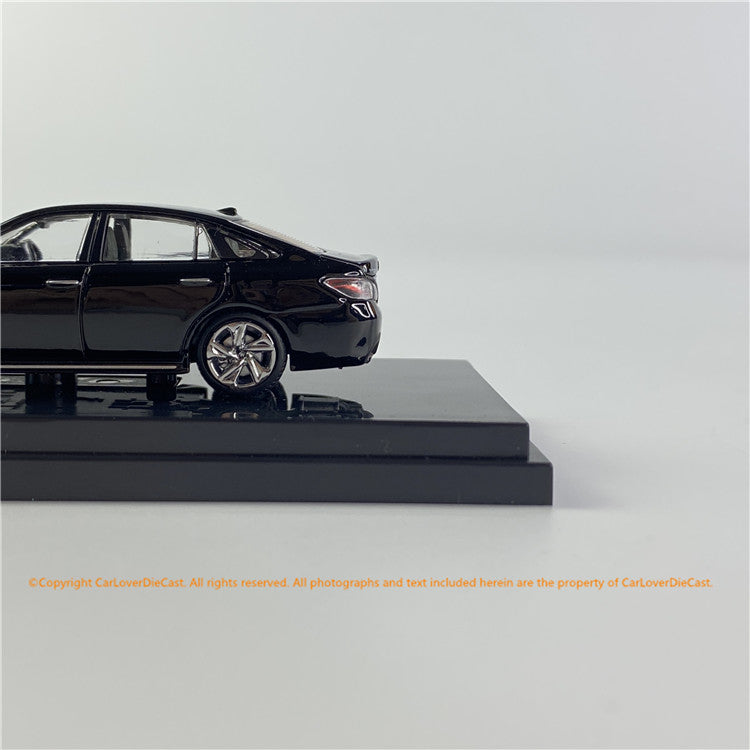 Hobby Japan 1/64 Toyota CROWN 2.0 RS Advance Black Pearl (HJ641009GBK) diecast car model