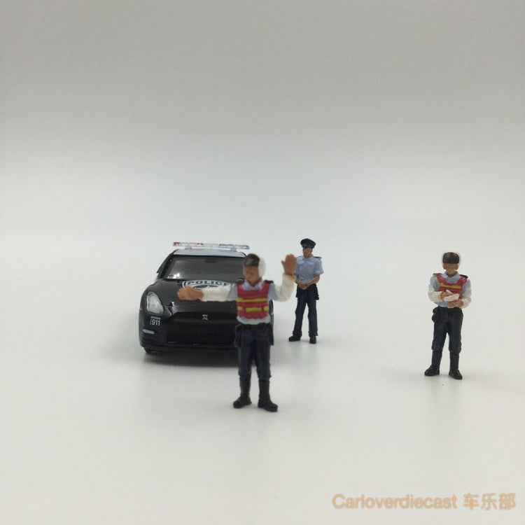 (Zoomer Miniature Models) 1:64 Police Series Included 3 figure & 1 Cardboard Base (21.5x15cm)available  now (ZMF6403)