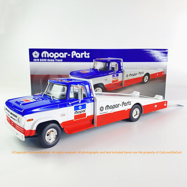 ACME 1:18 1970  Dodge D-300 Ramp Truck - Mopar Parts  (A1801903) Diecast Car Model