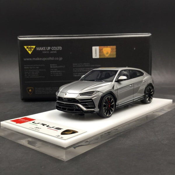 Makeup 1:43 Lamborghini Urus 2017 resin car model (Titanium Silver) EM403D